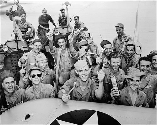 wwii-flight-crew-mechanics (1).jpg