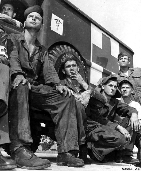wwii-flight-crew-mechanics (6).jpg