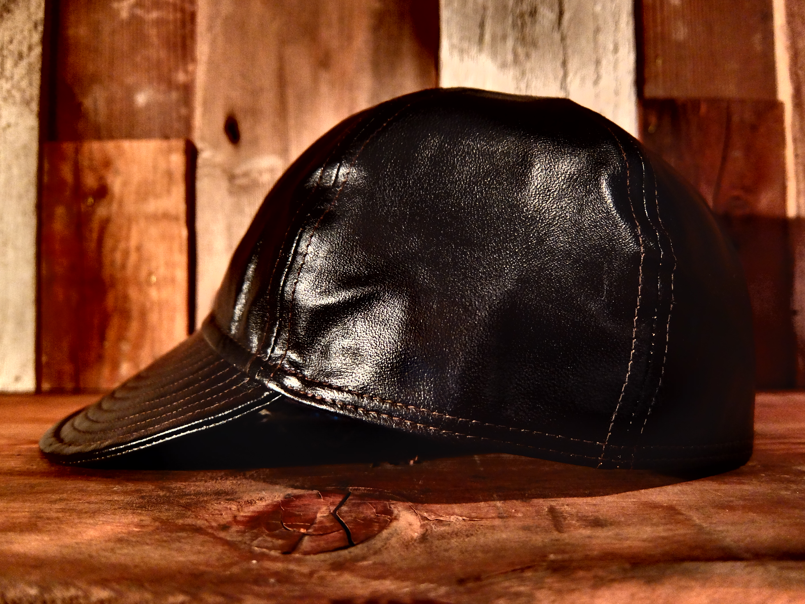 http://www.realmccoys.co.jp/blog/shop/images/leather_mechanic_cap2.JPG